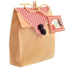 What a cute idea for a picnic party - could use for party favors or decorate sack lunches. Especially love the ant detail! Picnic Theme, Picnic Birthday, Girl Birthday, Birthday Parties, Picnic Party Favors, Fall Picnic, Picnic Parties, Birthday Ideas, Picnic Decorations