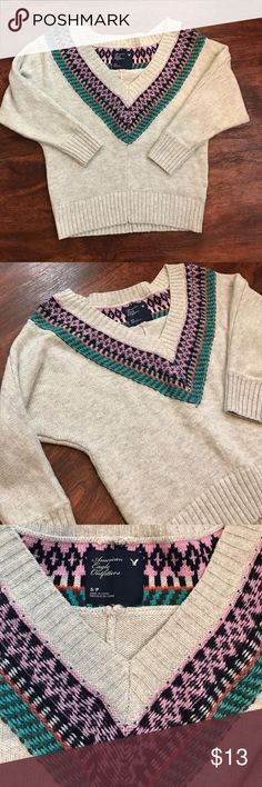AEO Dolman Sleeve Sweater Gently used v neck sweater that sits slightly off the shoulders. Has some minor pilling but still in great condition. American Eagle Outfitters Sweaters V-Necks