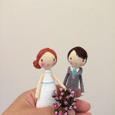 Amigurumi bride and groom wedding dolls by doubletrebletrinkets. (Inspiration).❤