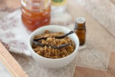 12 Home Remedies to Get Rid Of Chapped Lips Overnight - Well and Living Sugar Scrub Homemade, Sugar Scrub Recipe, Chapped Lips Remedy, Brown Sugar Scrub, Beauty Tips For Glowing Skin, Diy Beauty, Beauty Hacks, Good Enough To Eat, Organic Coconut Oil