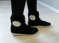 Crochet flowers boots for women and teen girls by CatanaHandmade Casual Boots, Crochet Flowers, Ugg Boots, Uggs, Teen, Black And White, Girls, Handmade, How To Wear