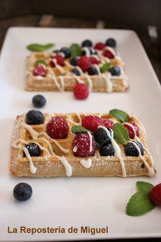 La Repostería de Miguel: Gofres de Vainilla y Frutos del Bosque | Vanilla & assorted berries waffles by La Repostería de Miguel
