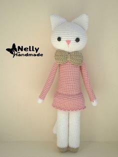 Mesmerizing Crochet an Amigurumi Rabbit Ideas. Lovely Crochet an Amigurumi Rabbit Ideas. Gato Crochet, Crochet Cat Toys, Crochet Diy, Crochet Patterns Amigurumi, Amigurumi Doll, Crochet Animals, Crochet Dolls, Crochet Russe, Cat Doll