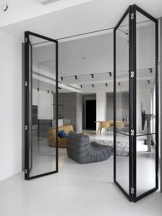 Do you love modern architecture? There are so many reasons why modern design is so popular. Here is some design inspiration for your modern home. Home Interior Design, Interior Architecture, Interior Doors, Modern Interior, Zeitgenössisches Apartment, White Apartment, Contemporary Apartment, Design Case, Design Design