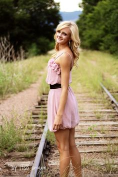 senior picture ideas for girls | That Brown Girl Photography: Megans Senior Portraits.