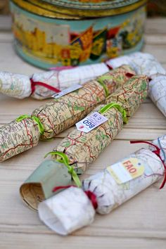 It's so easy to make your own Christmas crackers. So why not make some unique handmade Christmas crackers by repurposing vintage maps. Crafts To Make And Sell Unique, Diy Crafts To Sell, Crafts For Kids, Handmade Christmas, Vintage Christmas, Christmas Crafts, Christmas Stuff, Vintage Crafts, Vintage Maps