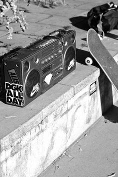 ↠ᴘɪɴ: @coeurdepasteque ↞ Graffiti, Skate And Destroy, Snap Out Of It, Shoes Photo, Longboarding, Skateboards, Hip Hop, Surfing, Black And White