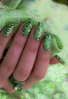 The latest nail art we're gaga is that the water marble manicure, that sounds like it's for-the-pros solely however is really fully possible reception. the creator behind The Illustrated Nail, shares however she creates these swirly Fabulous Nails, Gorgeous Nails, Fancy Nails, Love Nails, St Patricks Day Nails, Water Marble Nail Art, Nail Art Galleries, Creative Nails, Cool Nail Art