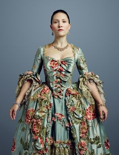 Outlander Season 2 Gallery Pictured: Claire Sermonne as Louise de Rohan Photo: Jason Bell/Starz/Courtesy of Sony Pictures Television [dress designed by Terry Dresbach] 18th Century Dress, 18th Century Clothing, 18th Century Fashion, Historical Costume, Historical Clothing, Rococo Fashion, Vintage Fashion, Mode Renaissance, Rococo Dress