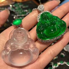 @margueritecaicai. #gem #jade #jadeite #jewelry #jewellry Lotus Jewelry, Jade Jewelry, Modern Jewelry, Antique Jewelry, Vintage Jewelry, Buddha Jewelry, Jade Pendant, Stones And Crystals, Jewelry Design