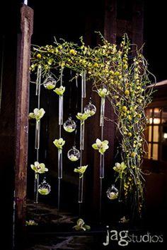 screen, fresh flowers