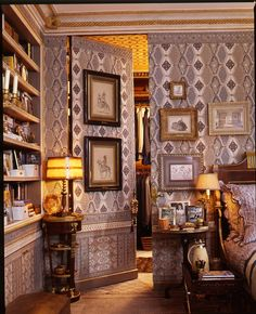 New York bedroom of Howard Slatkin, from his book FIFTH AVENUE STYLE. Photo by Tria Giovan.