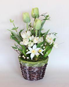 *+Jarní+dekorace+-+tulipány,+crocusy+a+narcisy+*+*+jarní+dekorace+v+podobě+proutěného+košíčku+*+*+umělé+květiny+s+živým+efektem+-+tulipány,+crocusy+a+narcisy+*+*+doplněno+zelení+a+mechovou+stélkou+*+*+výška+celé+dekorace+cca+35+cm,+šířka+25+cm+*