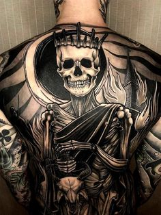 Backpiece Tattoo, Tattoo Henna, Skull Tattoos, Chest Tattoo, Sleeve Tattoos, Lotus Tattoo, Tattoo Art, Kurt Tattoo, Sick Tattoo