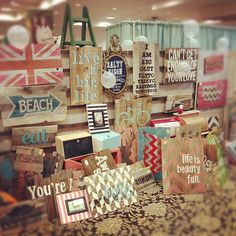 great DIY sign ideas. love the beach sign and the chevron backgrounds....and the US map