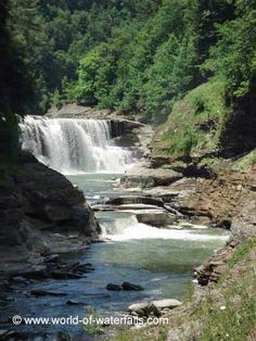 Lower Falls of the Genesee River (Letchworth), Letchworth State Park / Livingston County / Wyoming County, near Castile / Portageville, New York, USA