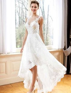 Aline Wedding Dresses 20 Amazing Short Wedding Dresses - If you had a long gown in mind, do check out this catalog on short wedding dress ideas before finalizing your wedding outfit – you may decide to jump ship! Hi Low Wedding Dress, Long Sleeve Wedding, Princess Wedding Dresses, Dream Wedding Dresses, Wedding Dress Styles, Cocktail Wedding Dress, Wedding Dress Petite, Lace Bridal, Bridal Gowns