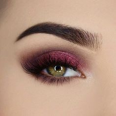 Gorgeous berry eyeshadow look