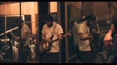 """Macho Muchacho es una banda que empezó en 2011 en Guayaquil, Ecuador. Su sonido se basa en loops y efectos creados en directo de sus músicos más la energía de su actuación en directo. Producción del sencillo """"Tropicalia"""""""