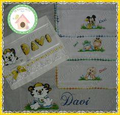 Kit para o Davi! Toalha de mão + fralda passeio + kit paninhos de boca pintados com Tigor Baby www.facebook.com/lexavierarts