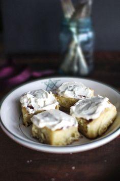 cinnamon buns with maple cream cheese