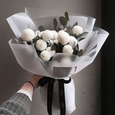 Flowers bouquet gift floral arrangements florists 23 ideas for 2019 Boquette Flowers, How To Wrap Flowers, Luxury Flowers, Flower Boxes, Wild Flowers, Planting Flowers, Wedding Flowers, Flower Bouquets, Flowers Garden