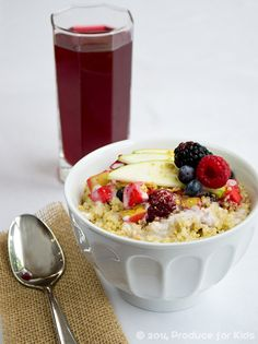 Apple-Berry Crisp Breakfast Quinoa Bowl: A Make-Ahead #Breakfast