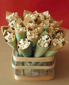 Serving late-night snacks to guests at a wedding reception is becoming more popular -- not to mention the guests love it! Here are some of our favorite recipes for late-night snacks at wedding receptions. Trust us, your guests will be thanking you. Popcorn Cones, Pink Popcorn, Popcorn Snacks, Popcorn Bar Party, Wedding Popcorn Bar, Wedding Snacks, Snacks Für Party, Wedding Appetizers, Food Cakes