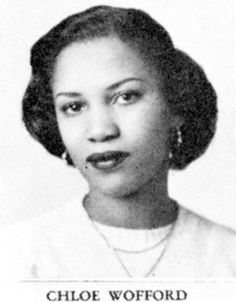 Chloe Anthony Wofford: before she became Toni Morrison. (I like Chloe, but I can see that Toni came from her middle name. And would Morrison be a married name? Toni Morrison, My Black Is Beautiful, Beautiful Women, Amazing Women, African Diaspora, African American History, History Facts, Women's History, Look At You