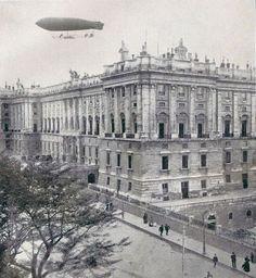 5 de mayo de 1910. El dirigible España sobrevuela Madrid | Flickr: Intercambio de fotos