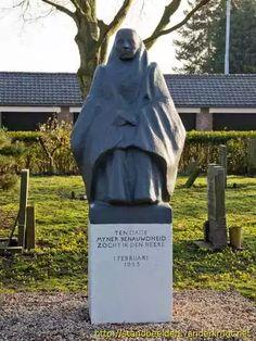 Herdenkingsmonument op de begraafplaats in Melissant voor de 56 slachtoffers uit Stellendam die er liggen.
