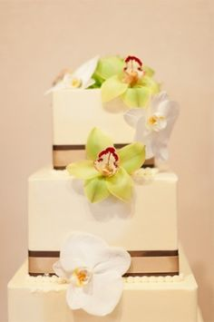 Orchids on Square Wedding Cake - L'Auberge Del Mar California Square Wedding Cakes, Wedding Cakes With Flowers, Art Deco Borders, White Orchids, Dream Wedding, Wedding Stuff, Wedding Ideas, Gorgeous Cakes, Got Married