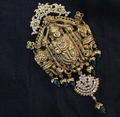 Gold Jewelry Design In India Product Real Gold Jewelry, Gold Jewellery Design, Diamond Jewellery, High Jewelry, Jewelry Shop, Jewelry Making, Indian Wedding Jewelry, Bridal Jewelry, Indian Bridal