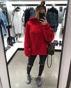 Kleider damenmode kleidung 0588 kleidung Many Girls Start Off Wearing The Wrong Size Bra. Chill Outfits, Cute Casual Outfits, Sport Outfits, Hoodie Outfit Casual, Leggings Outfit Winter, Hiking Outfits, Sweatpants Outfit, Look Fashion, Teen Fashion