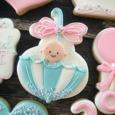 Baby Sprinkle Cookery Swords Sugars . . #decoratedcookies #customcookies #cookies #royalicingcookies #cookielove #cookiegram #thebakefeed #eeeeeats #buzzfeedfood #thefeedfeed #wiltoncakes #imsomartha #abmlifeissweet #bakersofinstagram #cookiesofinstagram #instacookie #instasweet #instakc