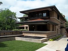 Frank Lloyd Wright - May House