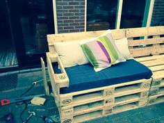 Pallet bank couch