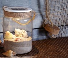 Solar-Dekoglas for € – A handful of beach sand, a few seashells collected on the sea … this solar deco glass can be filled not only decoratively, but also provides with its warm white LED after dark, for an atmosphere like on holiday. Natural Living, Solar, Licht Box, Light Chain, White Lead, Room Interior, Sea Shells, Diy And Crafts, Projects To Try
