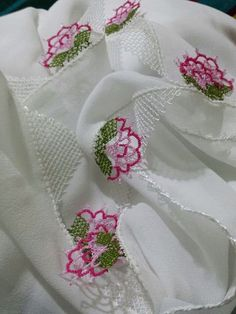 This post was discovered by Şa Shabby, Point Lace, Needle Lace, Crochet Trim, Needlepoint, Tatting, Needlework, Diy And Crafts, Embroidery
