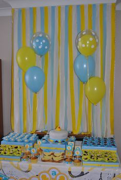 Baby Shower Decorations Streamers 38 Ideas For 2019 Rubber Ducky Baby Shower, Baby Shower Duck, Baby Shower Yellow, Cheap Baby Shower, Shower Bebe, Baby Shower Table, Boy Baby Shower Themes, Baby Shower Decorations, Table Decorations