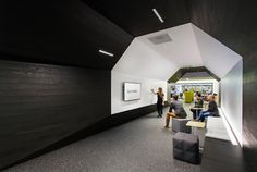 http://www.gensler.com/design-thinking/publications/dialogue/28/workplace-now