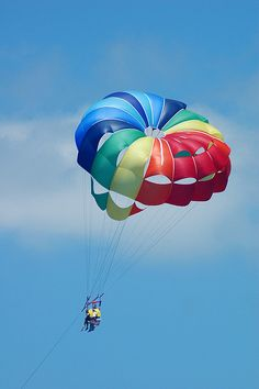 "Parasailing in Florida on vacation ~ definitely on the ""Things to do"" List!!!  :)"