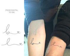 Tatuaje de iniciales manuscritos por DesignsBySimpleSally en Etsy