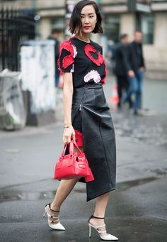 Lessons+in+Chic:+35+Couture+Fashion+Week+Street+Style+Looks+via+@WhoWhatWearUK