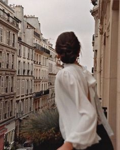 Photography People City Adventure Ideas For 2019 Classy Aesthetic, Beige Aesthetic, Travel Aesthetic, Aesthetic Photo, Aesthetic Pictures, Aesthetic Girl, Shotting Photo, Jolie Photo, Parisian Style