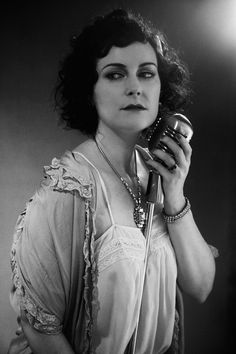 Jazz singer Matthew Anderson, Retro Makeup, Hair Makeup, Makeup Hairstyle, Night Club, Cover Art, Album Covers, 1920s, Makeup Looks