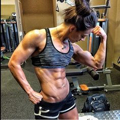 A picture of Brittany Vega. This site is a community effort to recognize the hard work of female athletes, fitness models, and bodybuilders. Chico Fitness, Muscle Girls, Yoga, Bodybuilding Motivation, Photo Instagram, Girls Who Lift, Guys And Girls, Gym Girls, Physical Fitness