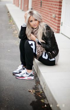 Sporty Outfits – Sweats are Dope (Cara Loren) Cl Fashion, Fashion Moda, Fashion Outfits, Womens Fashion, Fashion Trends, Sport Fashion, Nike Outfits, Sporty Outfits, Workout Outfits