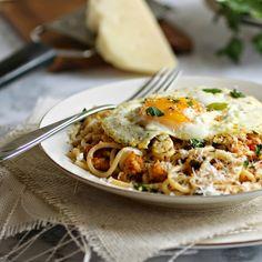 Spaghetti with Garlic Herb Breadcrumbs (Pangrattato)
