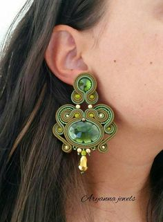 soutache earring totally handmadewith resinoval crystal, czech perles and rivoli crystal. Textile Jewelry, Boho Jewelry, Beaded Jewelry, Jewelery, Soutache Necklace, Tassel Earrings, Polymer Clay Charms, Verbena, Beaded Embroidery